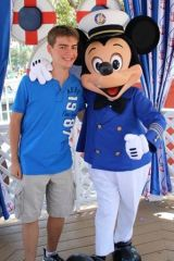 Meet Alex Huey: The Disney-Bound Blue Hen